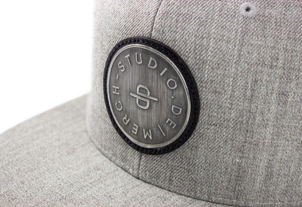merch-studio-cap-metall-button-05
